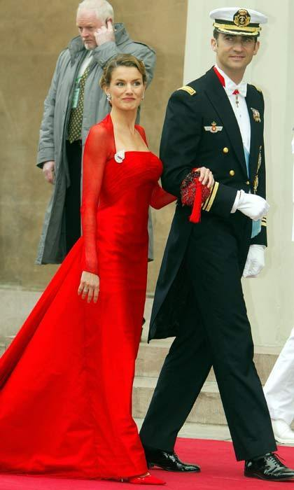 Then Prince Felipe of Spain arrived at the cathedral accompanied by his love Letizia Ortiz. A week after the Danish nuptials, the Spanish couple had their own royal wedding when they tied the knot in a beautiful ceremony in Madrid.