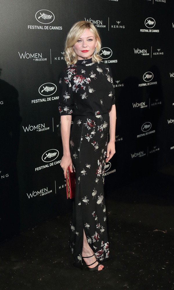 Kirsten Dunst in Marc Jacobs
