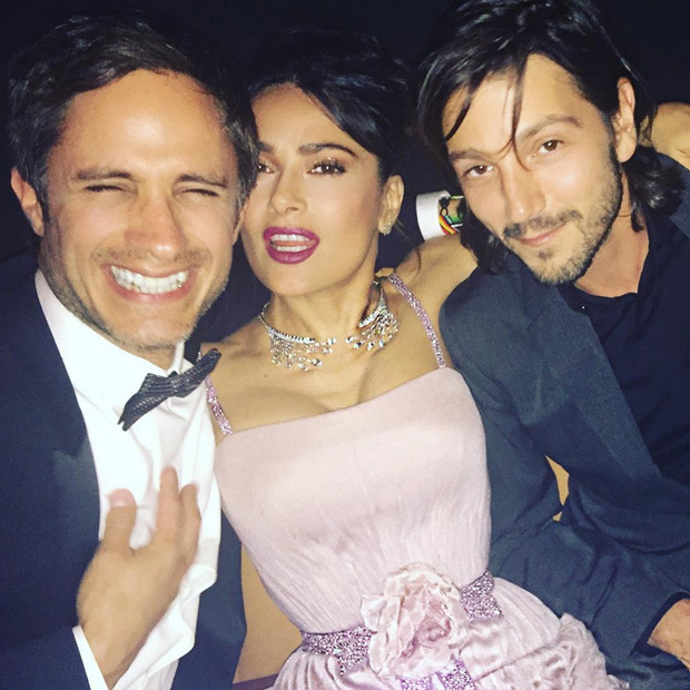 "Salma Hayek (@salmahayek) clearly had something to smile about as she found herself in a Gael Garcia Bernal and Diego Luna sandwich. ""VIVA MEXICO!"" she said in the caption."