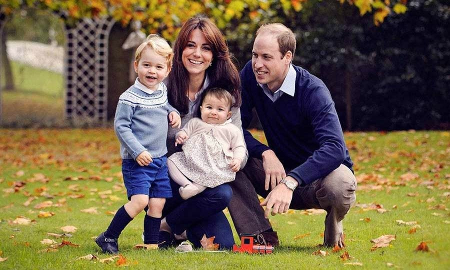 Kate and her family stepped in front of the camera for a holiday portrait. 