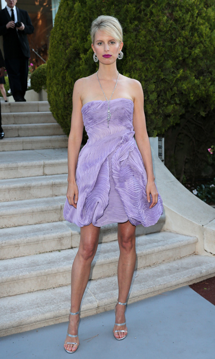 Karolina Kurkova in Armani