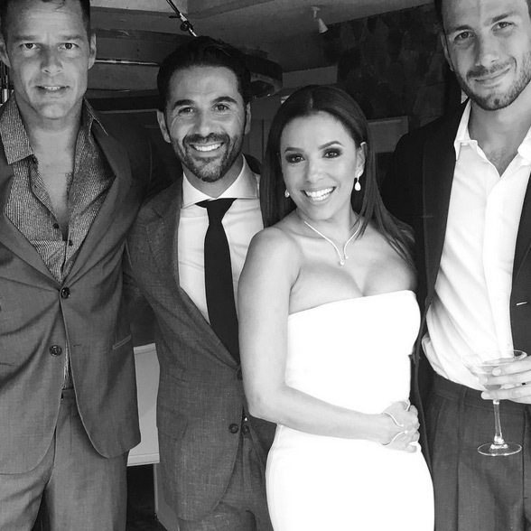 "Ricky Martin: ""Love Is in the air! Enhorabuena @evalongoria y Pepe. Que gran celebración. Les deseamos lo mejor a ambos. #bodadelaño #boda""