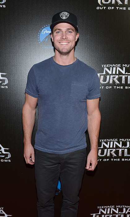 Toronto actor Stephen Amell at a fan screening event for his debut feature film, <em>Teenage Mutant Ninja Turtles: Out of the Shadows</em> at Scotiabank Theatre Toronto.