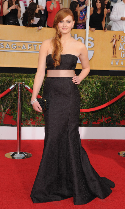 Sophie killed it on the red carpet at the 2014 SAG Awards in a strapless Dolce & Gabbana gown and David Morris jewellery.