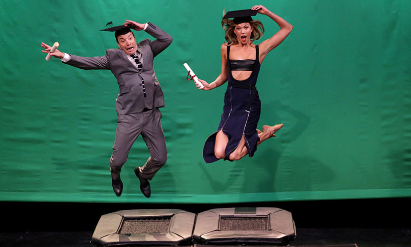 Karlie Kloss schooled Jimmy Fallon on mid-air modelling during an appearance on <i>The Tonight Show</i>. 