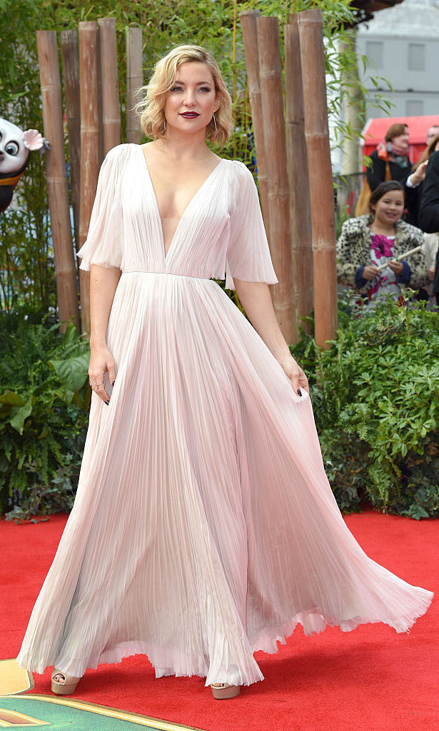 Kate Hudson was effortlessly pretty in pale pink at the London premiere of her film <em>Kung Fu Panda 3</em> wearing a pleated, chiffon gown by J.Mendel.