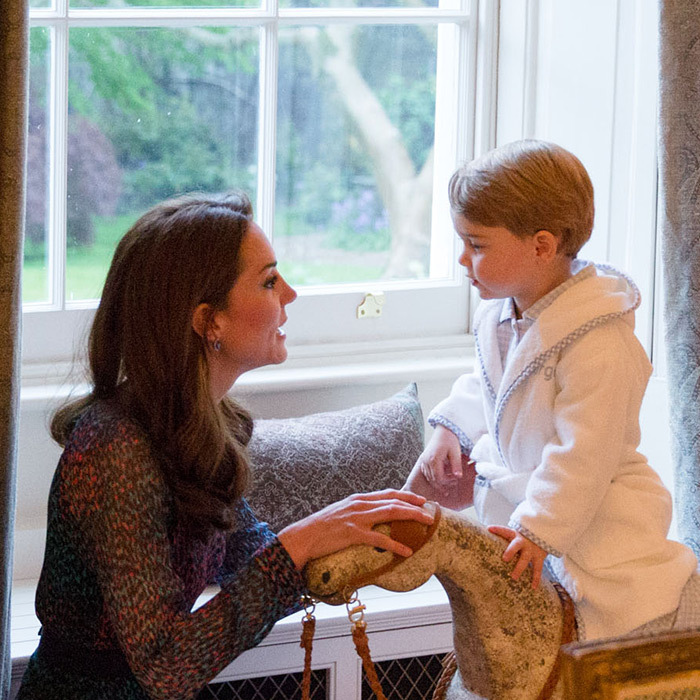 Doting mom Kate proved her kids always come first when she took some time to chat with Prince George during the Obamas' visit to Kensington Palace. The young tot's adorable bathrobe quickly sold out online.