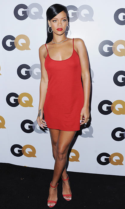 It's a simple red dress, but Rihanna looked sensational. 