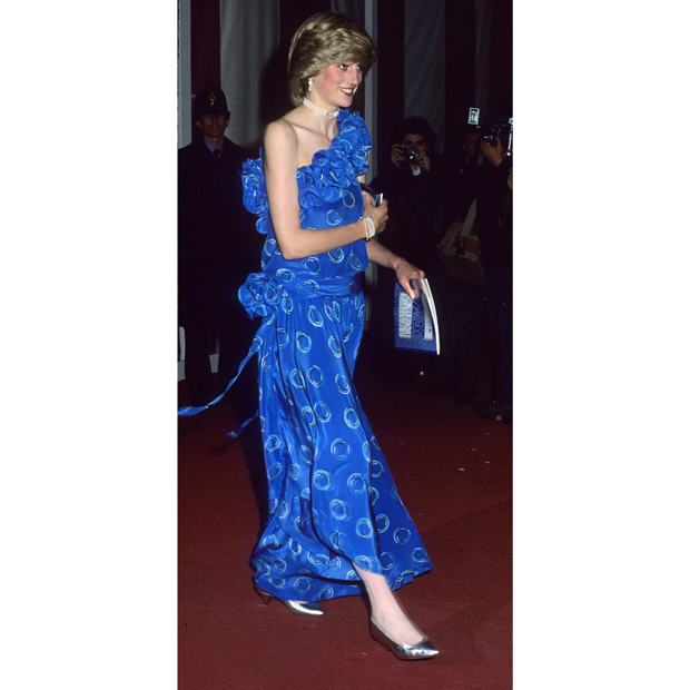 "In the heart of the '80s, the People's Princess was right on trend at Guildhall wearing a ruffled, one-shoulder gown with a circle print by one of her favourite collaborators, <strong><a href=""/tags/0/bruce-oldfield"">Bruce Oldfield</a></strong> (whom she met through former <em>Vogue</em> UK editor <strong>Anna Harvey</strong>).