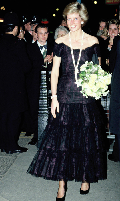 Wearing a tiered off-the-shoulder gown topped with a long strand of knotted-pearls around her neck, Diana captivated crowds in Wales during a visit to the country in the late 1980s. 
