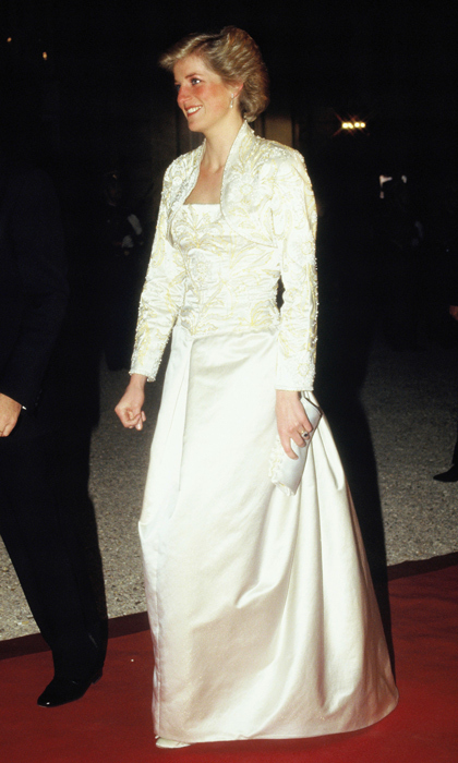 "In Paris, Diana captivated banquet guests in a white beaded dress and matching bolero created by British designer <strong><a href=""/tags/0/victor-edelstein"">Victor Edelstein</a></strong>. 