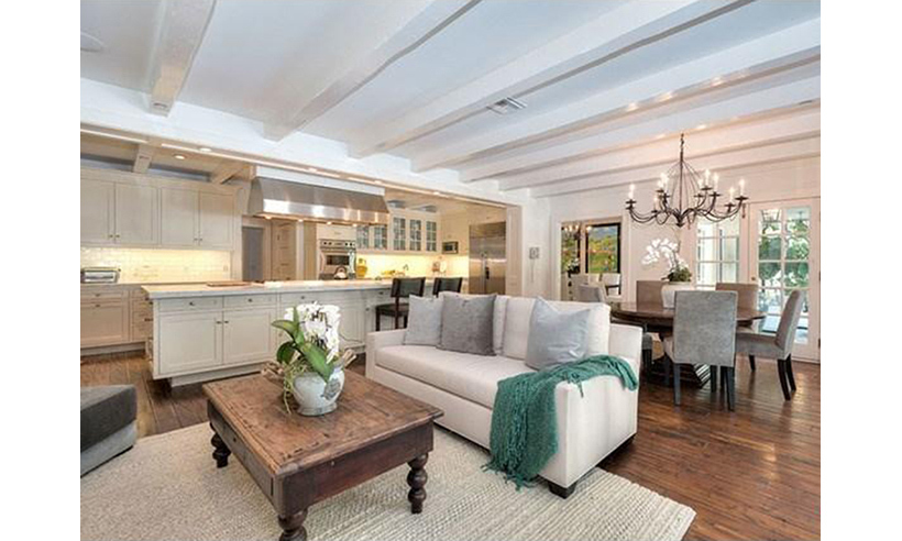 <p>Photo: © Douglas Elliman/MLS</p>