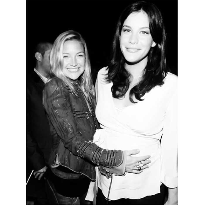 <h2>Kate Hudson + Liv Tyler</h2>