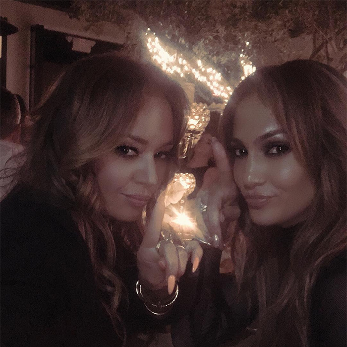 <h2>Jennifer Lopez + Leah Remini</h2>