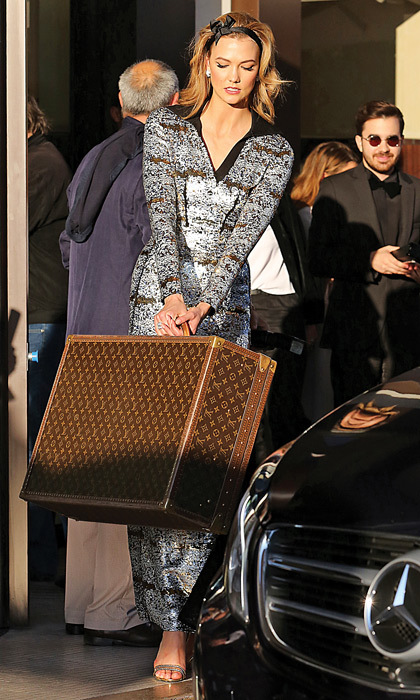 <h2>TRUNK SHOW</h2>