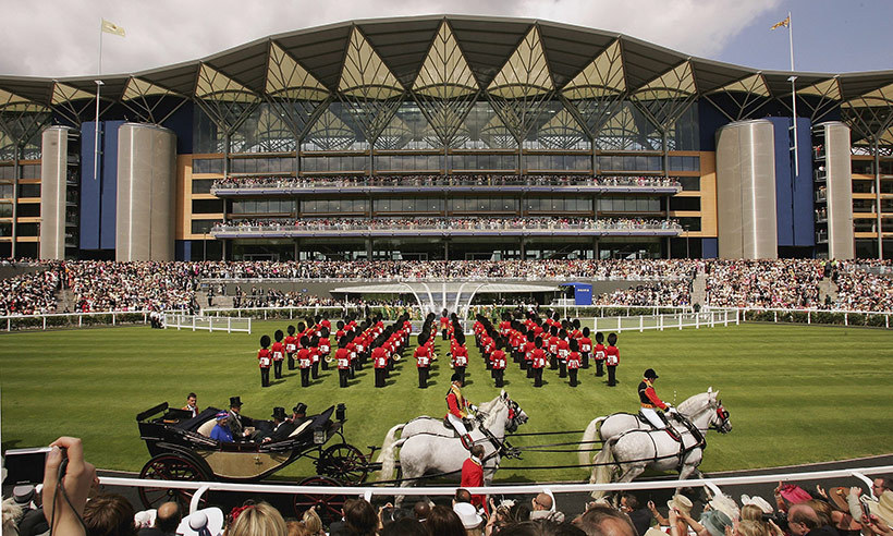 After an 18-month, $400 million redevelopment, the Queen reopened the course's grandstand in 2006. 