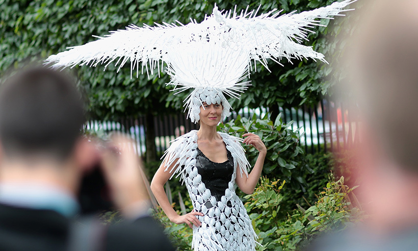 Talk about scooping out the competition. This elaborate headpiece made of plastic spoons caught everyone's attention at the races. 