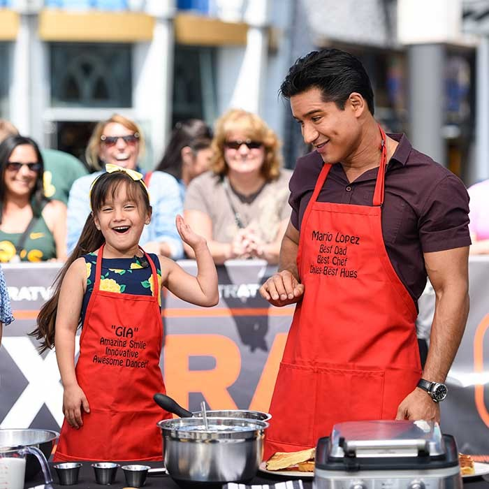 Mario Lopez and his five-year-old daughter Mia cooked up a storm for a special Father's Day segment on <i>Extra<i>. 