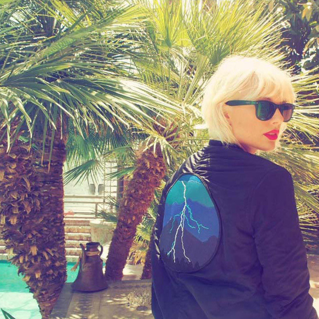 <p>Taylor Swift showed off her new platinum blonde hair at Coachella, along with a bomber jacket with a lightning bolt on the back. Straight after posting the pic, her then-boyfriend Calvin Harris changed his Twitter profile pic to the exact same image.</p><p>It later emerged that the image was in reference to Calvin and Rihanna's new single. </p>