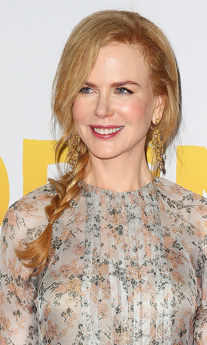 Nicole was the epitome of boho chic with this chic side braid as she attended the Australian premiere of <em>Paddington</em>. 