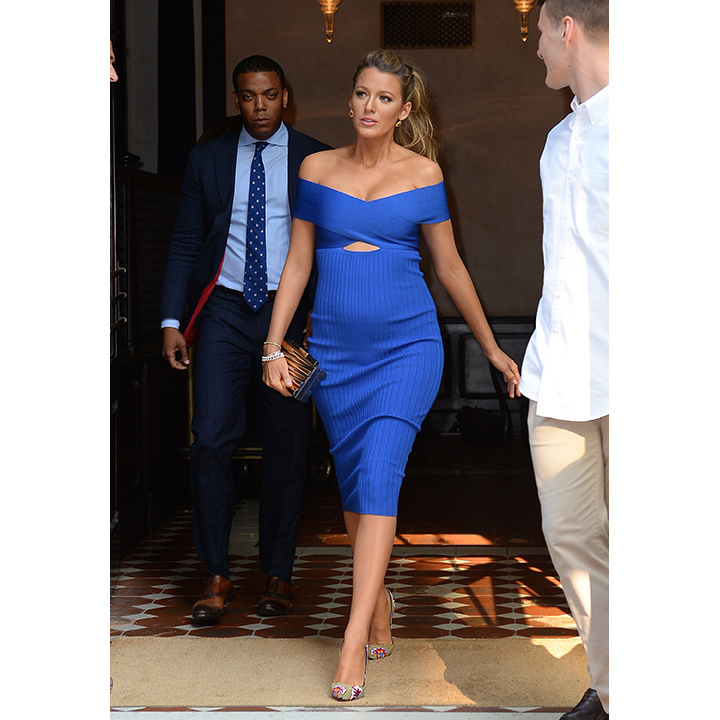 The 28-year-old slipped into a sexy cobalt blue bandage dress by Cushnie Et Ochs and Christian Louboutin pumps for an appearance on <i>The Tonight Show</i>. 