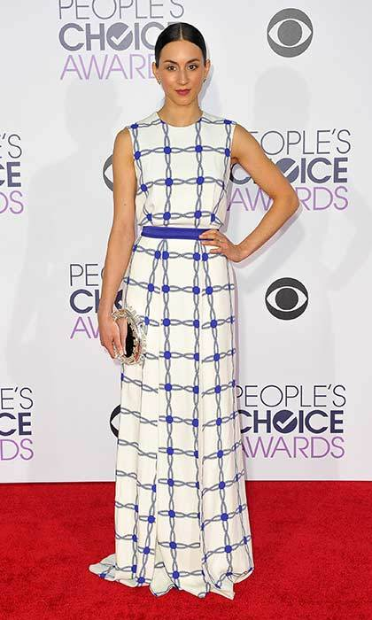 Blue graphic prints create a striking red carpet look at the People's Choice Awards.