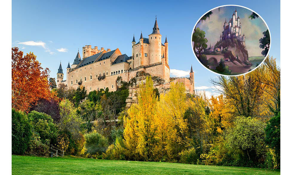 <strong>The Queen's Castle in <em>Snow White</em> was inspired by Alcázar de Segovia in Spain.