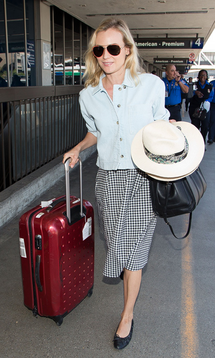 <h2>5. Keep it comfy yet chic at the airport</h2>