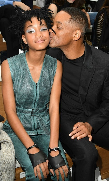 Willow Smith received a kiss from her date a.k.a dad Will Smith, while sitting front row at the Chanel Haute Couture show.