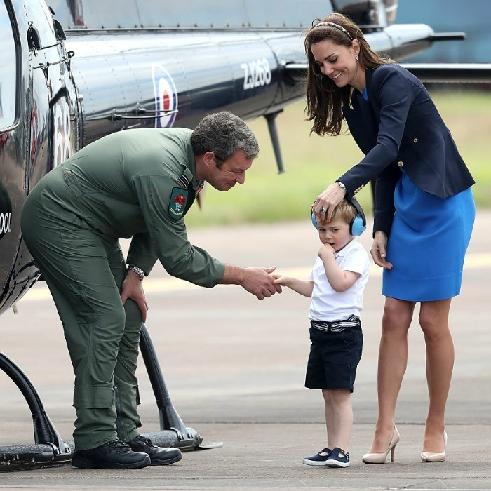 Apart from viewing aircrafts, George got to meet real pilots during his afternoon outing.