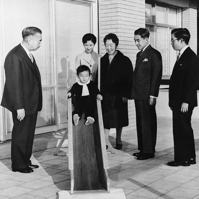 Left to right: Emperor Hirohito, Crown Prince Naruhito, Crown Princess Michiko, Empress Nagako, Crown Prince Akihito and Prince Yoshi pose for family photograph in 1961.