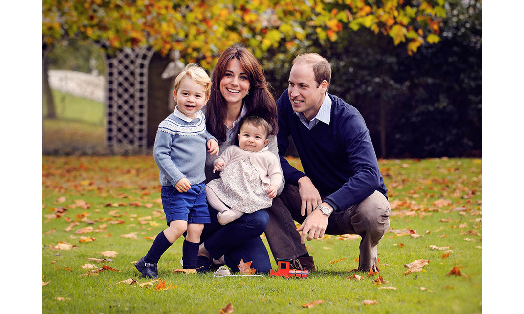 <p><strong>First official portrait of the Cambridges – December 2015