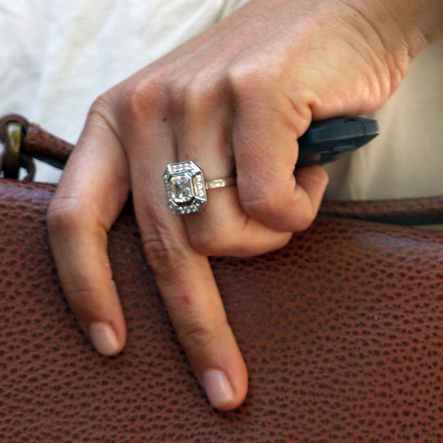 James Matthews proposed with a stunning vintage rock.