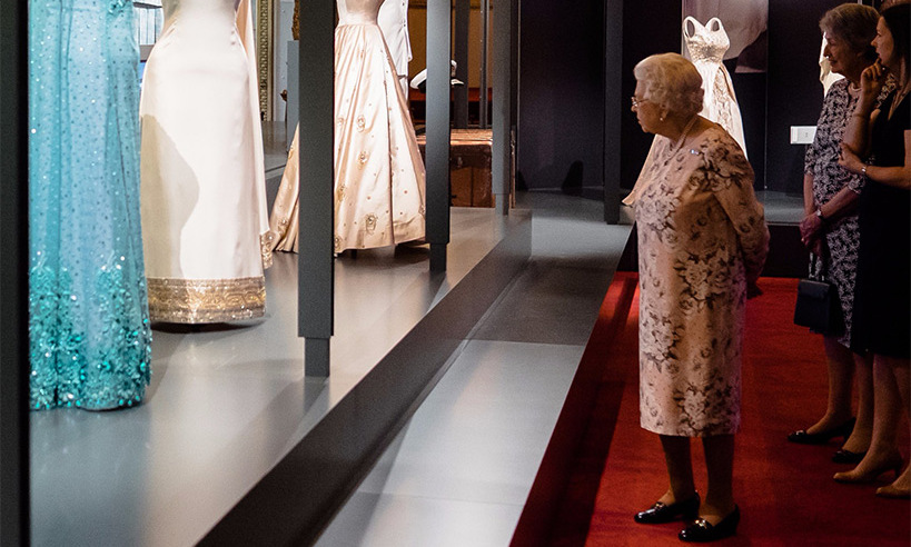 The Queen visited the fashion exhibition at Buckingham Palace.