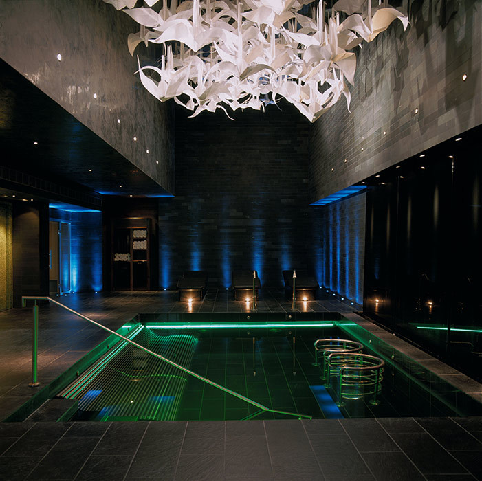 <h4>Philip Treacy<br>G Hotel & Spa, Galway, <em>Ireland</em></h4>