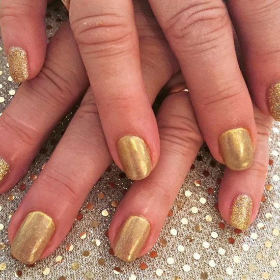 "Go for gold with a simple and easy yet glamorous glittering shade like the one <a href=""https://www.instagram.com/fancynailsoncrossover/"" target=""_blank"">@fancynailsoncrossover</a> is rocking. 