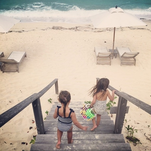 Arabella and the rest of the family spent a summer day at the beach. 