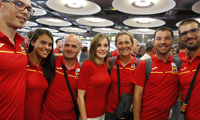 Queen Letizia with the Spanish Olympic team.<br>