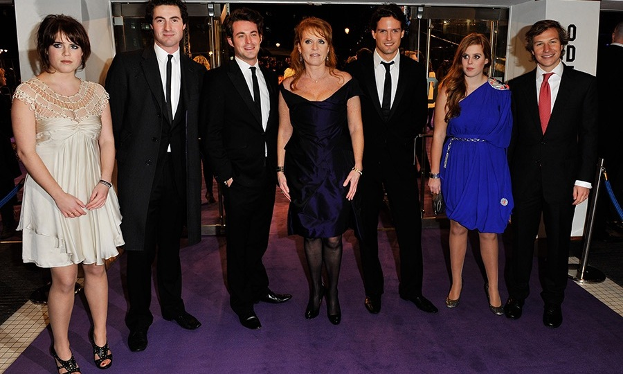 Dave Clark with Princess Beatrice's family at the <em>Young Victoria</em> premiere. (Photo: © Getty Images)