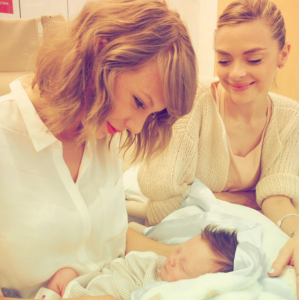 Not only did the world get a chance to meet Jaime King's new son Leo Thames, but his godmother Taylor Swift had a sweet introduction to the baby boy as well.