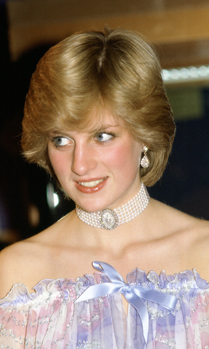 Diana had an affinity for mixing diamonds with pearl strands.
