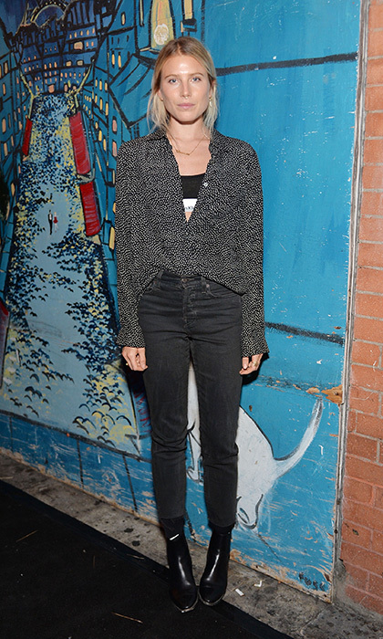 Dree Hemingway is the ultimate '90s cool girl in AG skinny jeans and a slouchy blouse – with her classic Calvin Klein sports bra peaking out – at an AG Denim dinner in New York. 