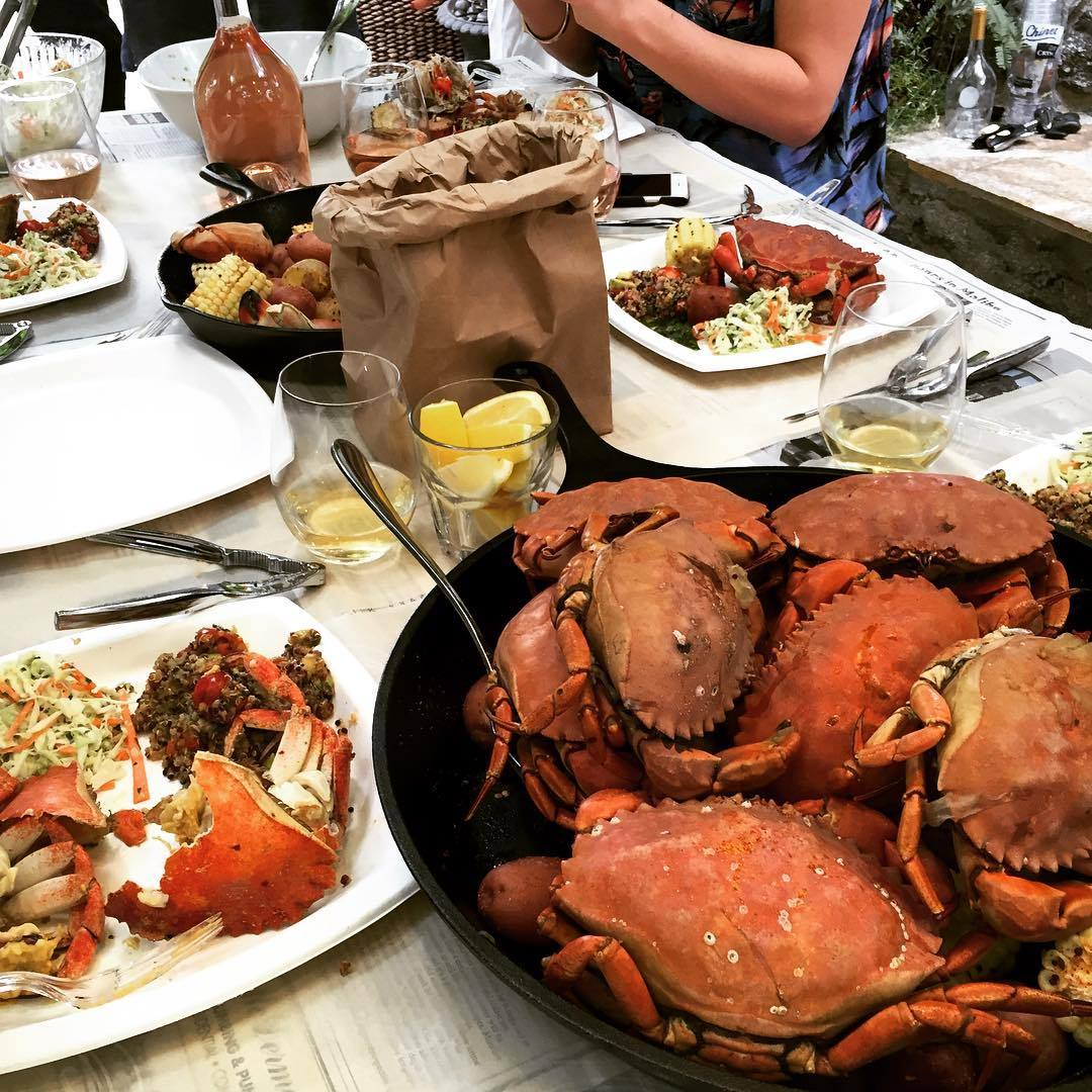 "Her and hubby John Legend also throw the biggest food fests we've ever seen. ""The life!! Having a crab boil at the casa! Thank you, @chefdantecardone!"" 
