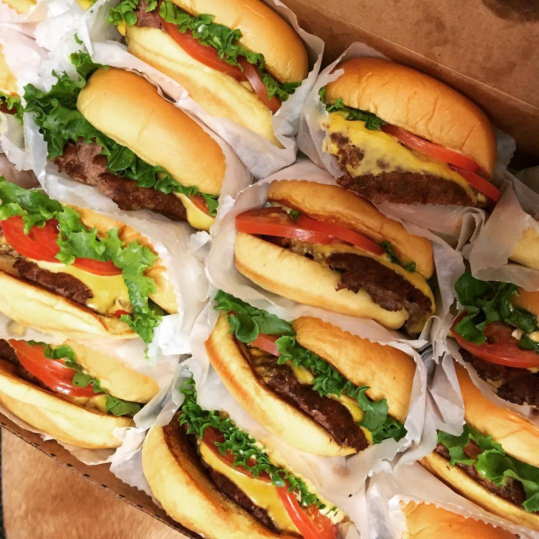 "When she's hungry, the 30-year-old isn't afraid of visiting her favourite fast-food joint. ""LUNCH!!! Welcome to Los Angeles, @shakeshack!!!!""