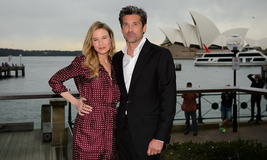 Renee Zellweger and Patrick Dempsey pose together at the <em>Bridget Jones's Baby</em> press call.