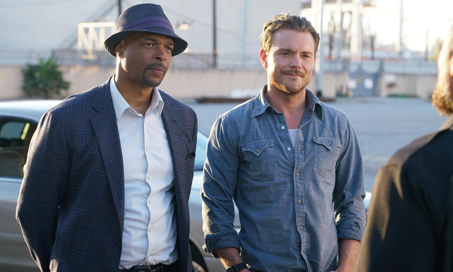 "<span style=""font-size: larger; font-weight: bold;"">LETHAL WEAPON</span><br><span style=""font-size: large;""><strong>PREMIERE</strong> Sept. 21, City</span>