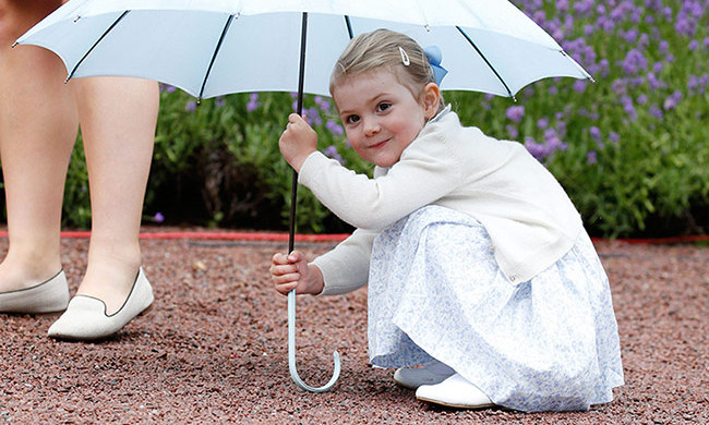 Princess Estelle of Sweden takes ballet lessons with famous ballerina Anneli Alhanko.