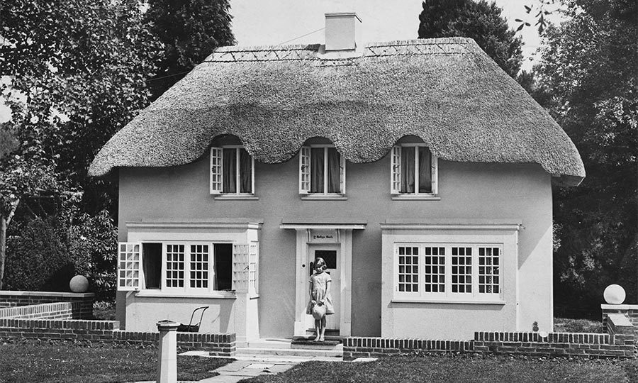 The grounds are also home to Y Bwthyn Bach, a miniature cottage that was gifted to the future monarch when she was five.