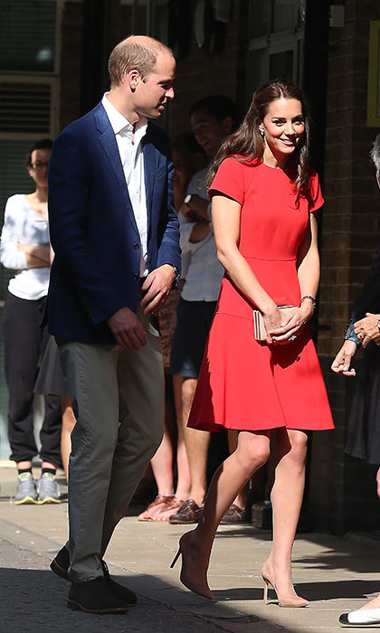 Prince William and Kate visited the YoungMinds helpline.