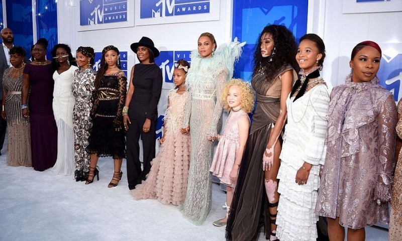 Beyoncé was joined not only by her daughter on the carpet, but also stars from Lemonade as well as the mothers of Mike Brown, Trayvon Martin, Eric Garner, and Oscar Grant.